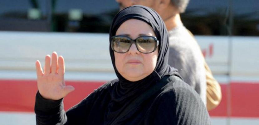 تشييع جثمان الفنانة دلال عبدالعزيز من مسجد المشير بالتجمع الخامس