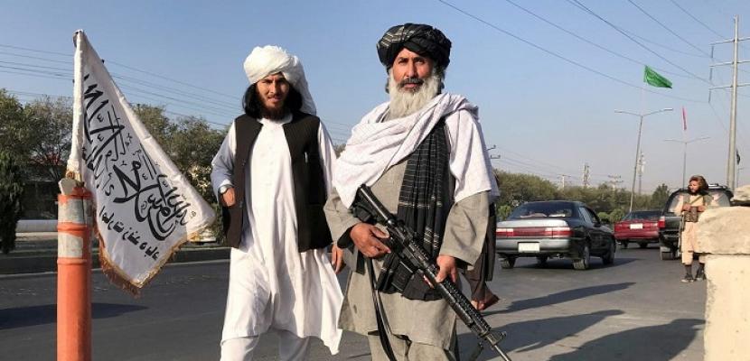 """""""طالبان"""": سنلتقي حكام ولايات سابقين وإدارة الفوضى خارج مطار كابول مهمة معقدة"""