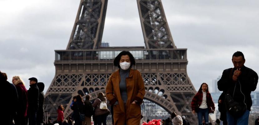 فرنسا تبدأ العمل بالشهادة الصحية لدخول أماكن الترفيه والمطاعم