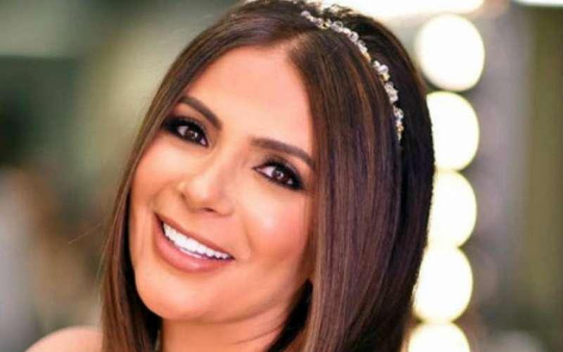 """منى زكي تبدأ تصوير فيلمها الجديد """"القاهرة مكة"""""""