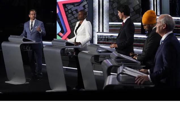 مناظرة زعماء الأحزاب الفدراليّة باللغة الإنجليزيّة: حدّة النقاش ارتفعت
